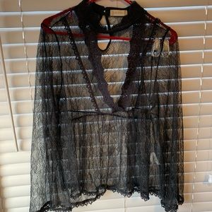 Altar'd state keyhole lace top